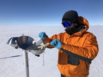 Preben Van Overmeiren removes a filter from a sampler in Antarctica