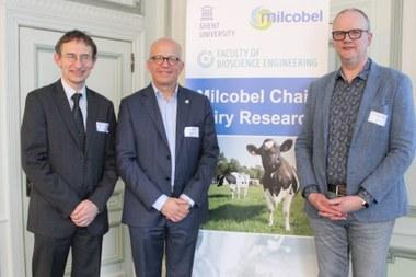 Van links naar rechts: prof. Paul Van der Meeren (UGent), Dirk Van Gaver (Milcobel, prof. Koen Dewettinck (UGent) (large view)