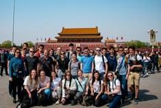 Masterstudenten IO op Tienanmen-plein, Beijing