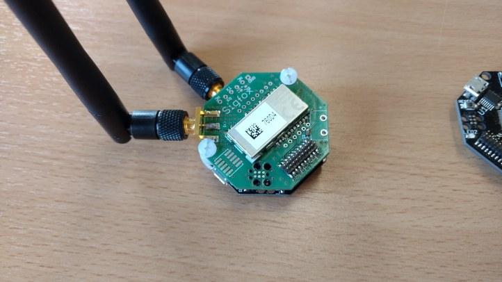 Multimodal Sigfox (868  Mhz)  / DASH7 (433 Mhz) prototype for fast localization algorithm validation.