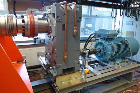 Motor generator test bench