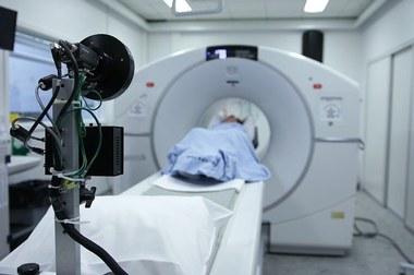 PET scanner (large view)