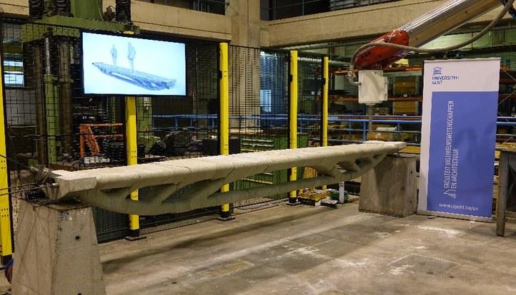 Het geprinte betonnen brugje met optimale vorm