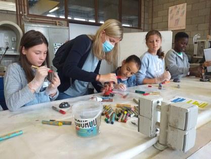 150 kinderen van zomerschool op verkenning in kinderuniversiteit UGent