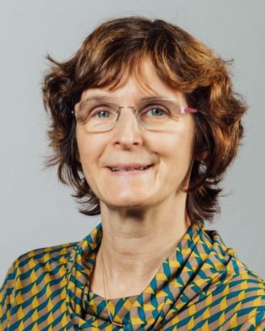 Nadine Van Roy
