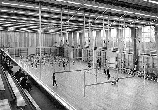 De grote turnzaal in de jaren '60
