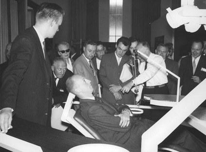 The first ergonomic dental chair