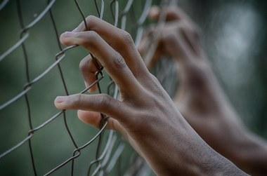 Prikkeldraad, gevangenis, mensenrechten (large view)