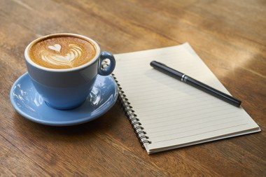 Schrijven, pen, koffie, pauze (vergrote weergave)