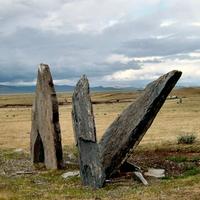 Groep grote steles in de Chuya steppe (Altaj)