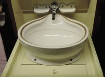 Washbasin of the Red Star Line ship Belgenland II (1923-1935) with ingenious system to evacuate water without drainage (Red Star Line Museum)