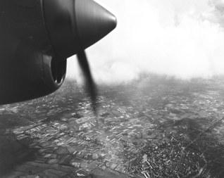 Luchtfoto Hasselt 23 mei 1944 (NARA - RG373) (vergrote weergave)