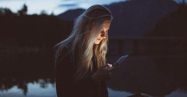 Sociale media eenzaamheid (vergrote weergave)
