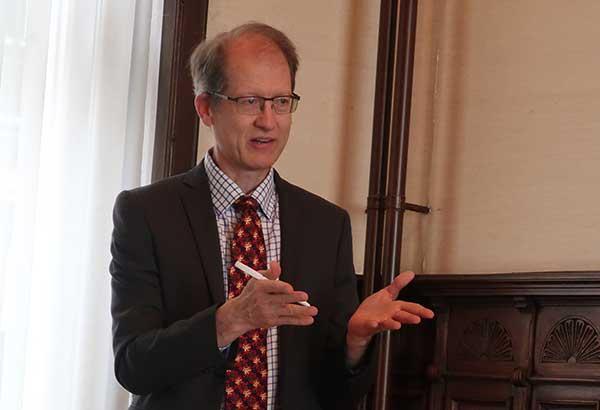 Prof. Dr. John Durham Peters (Yale University)