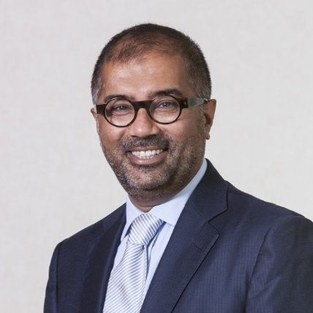 Hanif Mohamed - Group Head of Legal bij Bank Degroof Petercam