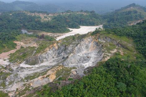 Mine in the D.R. Congo. Bengobiri-Bunza in the Maniema province.