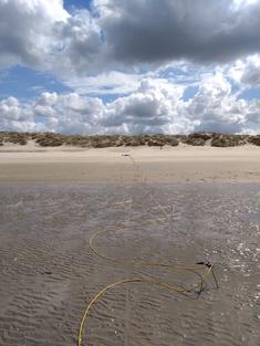 Onderzoeks aan kust en strand